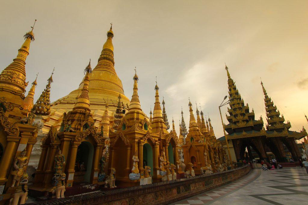 shwedagon-pagoda02